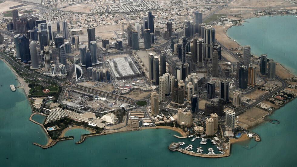 قطر تسجل 845 إصابة جديدة بفيروس كورونا خلال يوم