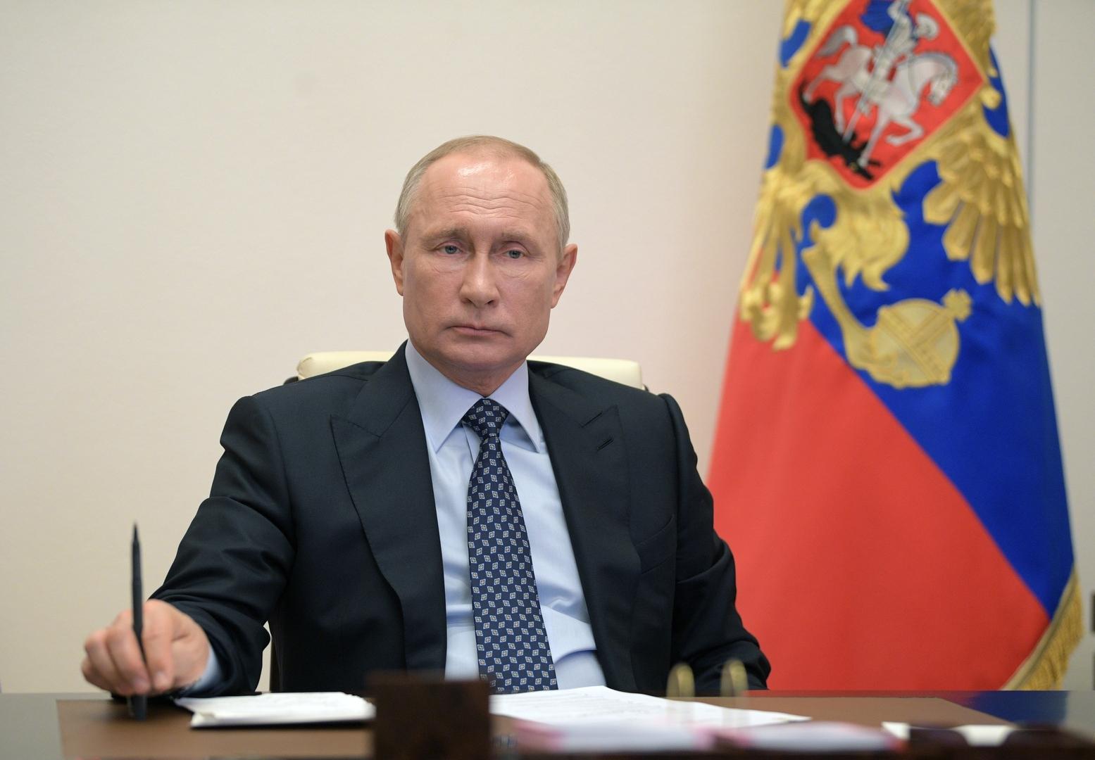 بوتين يكلف الحكومة الروسية بإعداد حزمة من التدابير الطارئة لدعم الاقتصاد