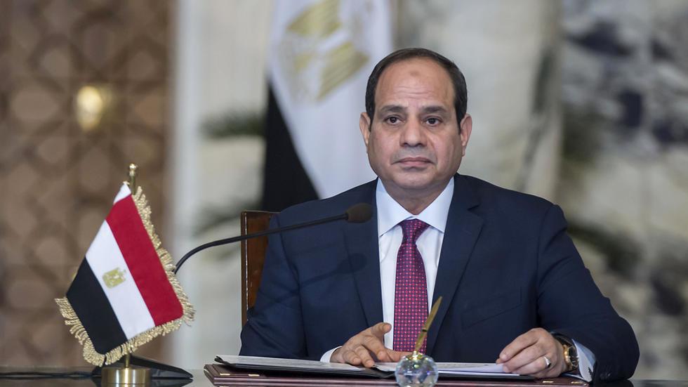 السيسي ينعى عناصر الجيش المصري الذين قتلوا في انفجار شمال سيناء