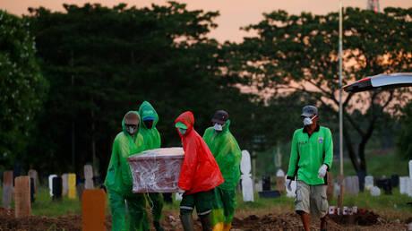 إندونيسيا.. زيادة الجنازات في جاكرتا تثير مخاوف