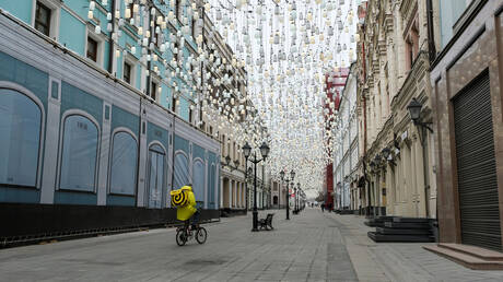 مهنة متعبة تزدهر في موسكو في ظل انتشار كورونا
