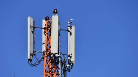 البريطانيون يهاجمون أبراج 5G