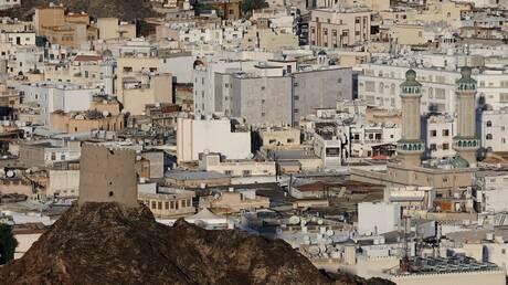 سلطنة عمان.. تراجع ملموس في معدل الإصابات اليومية بكورونا