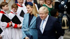 بريطانيا.. ظهور أعراض الإصابة بكورونا على خطيبة جونسون الحامل