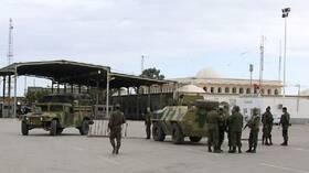 تونس.. إجلاء عائلة علقت على الحدود مع ليبيا بسرعة قياسية