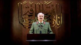 حفتر يخلط الأوراق مجددا في ليبيا وخصومه يصفون ما قام به بـ
