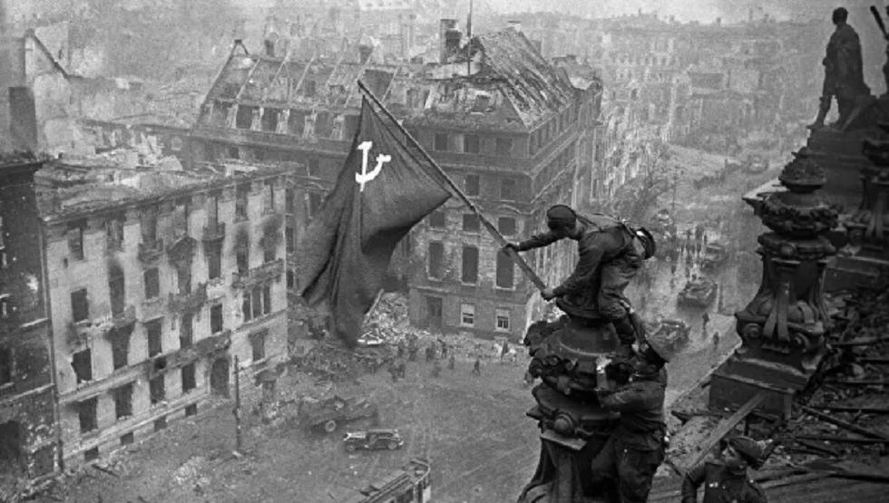 الدفاع الروسية ترفع السرية عن وثائق تحرير برلين: أمر قائد الدفاع عنها بالاستسلام رغم ولائه لهتلر