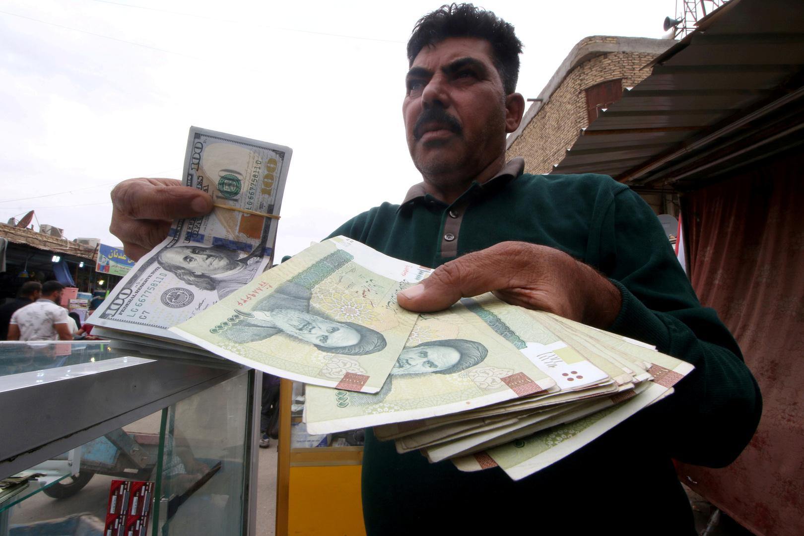 التومان.. عملة رسمية جديدة لإيران