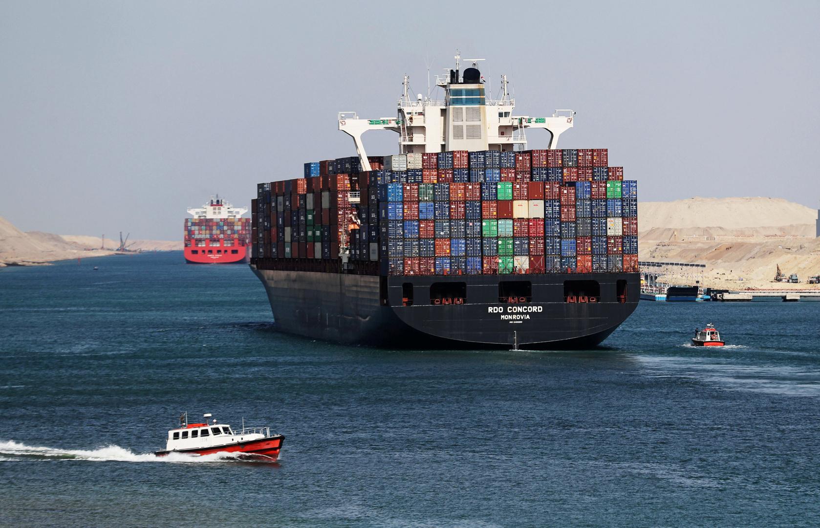 حركة الملاحة في قناة السويس منتظمة ولم تتأثر بتداعيات كورونا