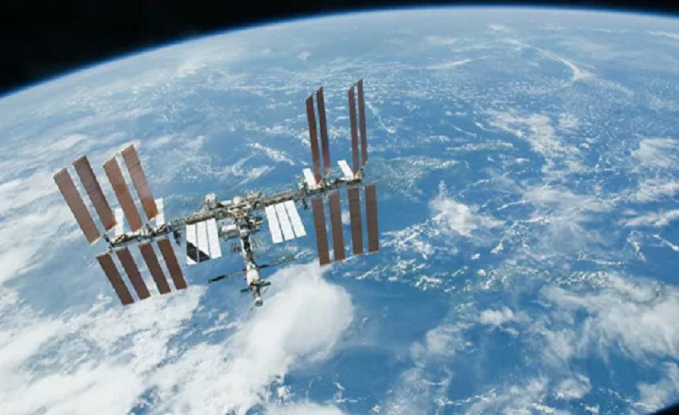 فيلم سينمائي لتوم كروز في الفضاء! (صور)