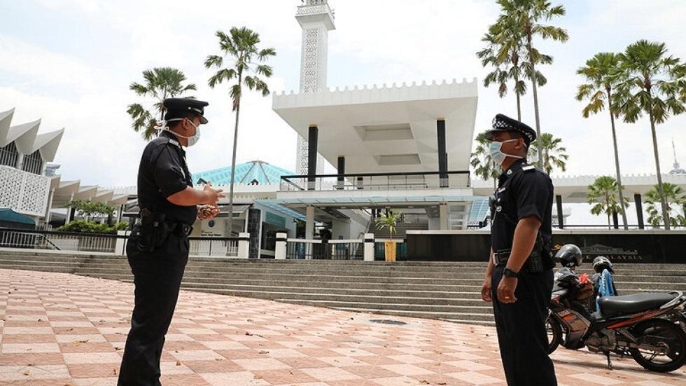 ماليزيا.. تراجع معدل الإصابات اليومية بفيروس كورونا
