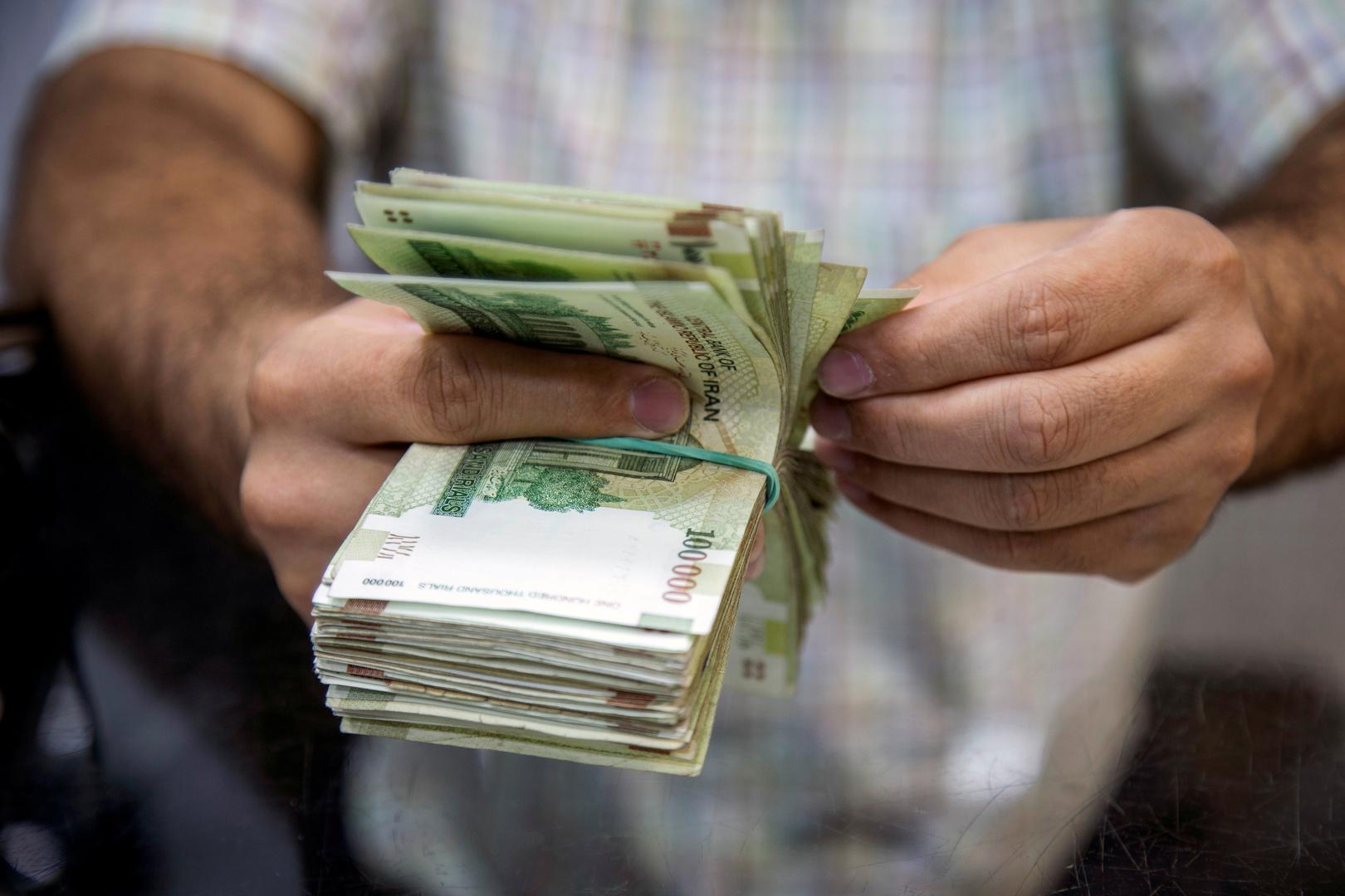 الولايات المتحدة حشرت العملة الإيرانية في التومان