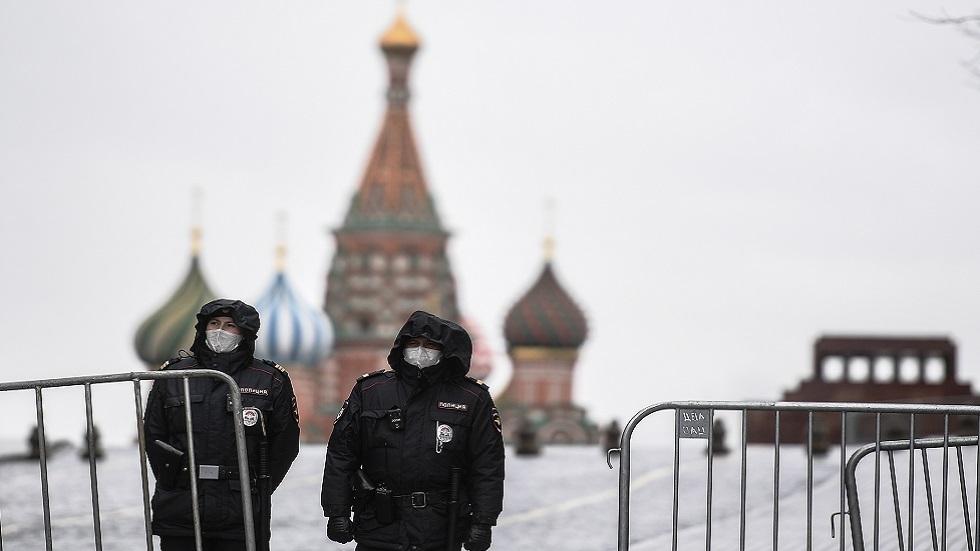 عمدة موسكو يمدد فترة العزل الذاتي والقيود على معظم القطاعات لاحتواء كورونا