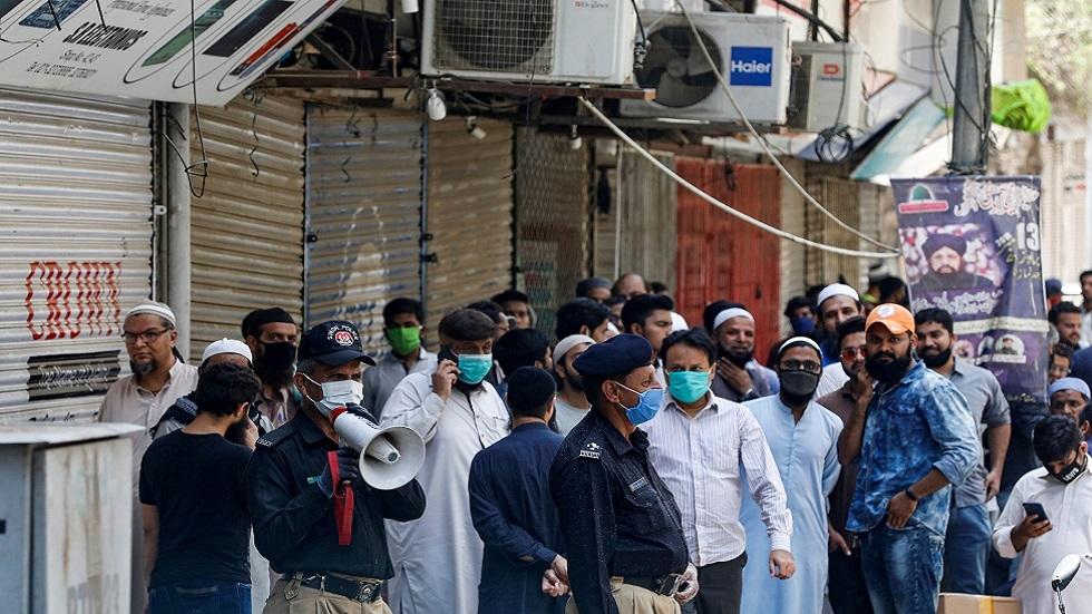 عشية رفع الإغلاق.. باكستان تشهد ارتفاعا متسارعا لأعداد مصابي كورونا