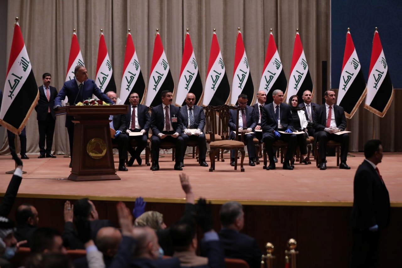 بين إيران والولايات المتحدة: العراق يحصل على حكومة جديدة
