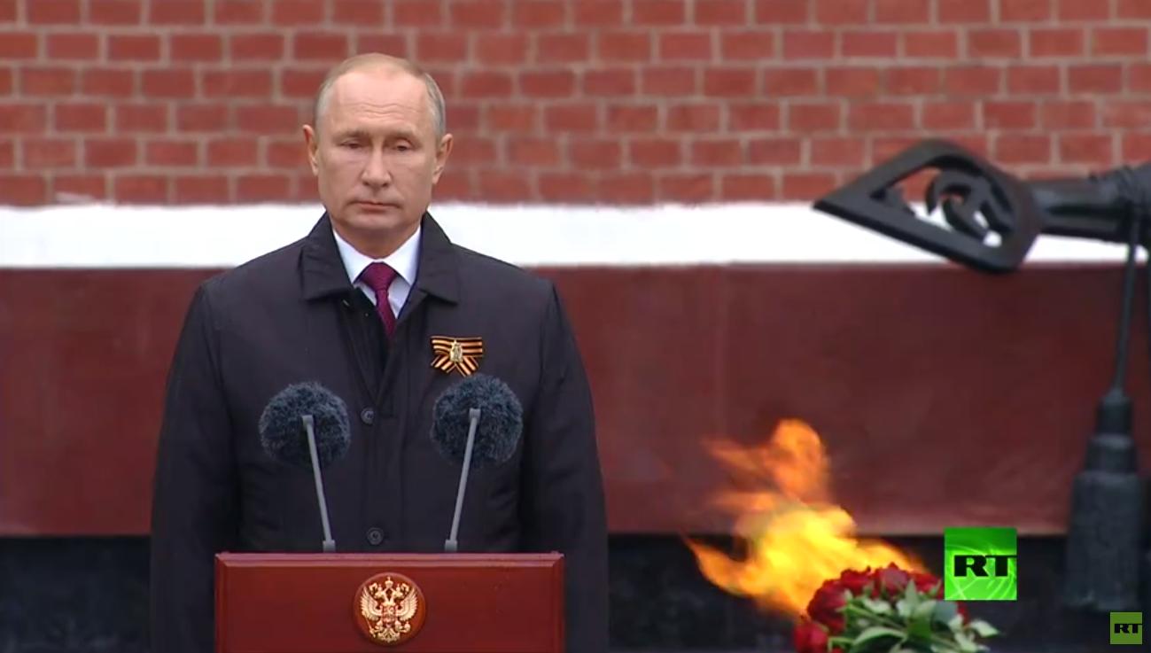 بوتين يتعهد بإقامة احتفالات جديرة بالذكرى 75 للنصر على النازية