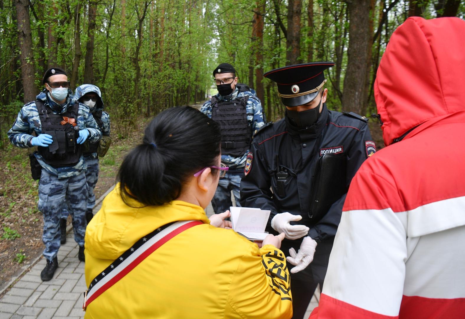 هروب مصابة بكورونا بعد تسلقها جدار المستشفى الخرساني في روسيا