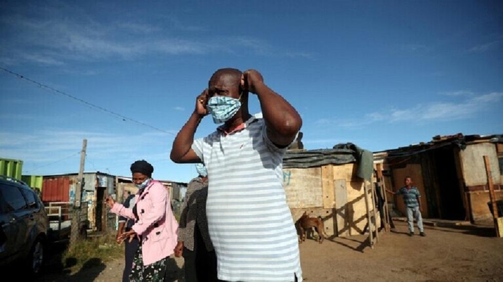 عامل في غانا ينقل عدوى كورونا إلى 533 من زملائه