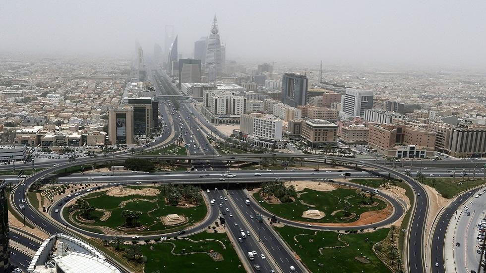 أسهم السعودية تهوي بعد رفع ضريبة القيمة المضافة لثلاثة أمثالها