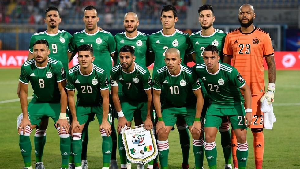 مدرب إنتر ميلان يطالب بالتعاقد مع لاعب جزائري