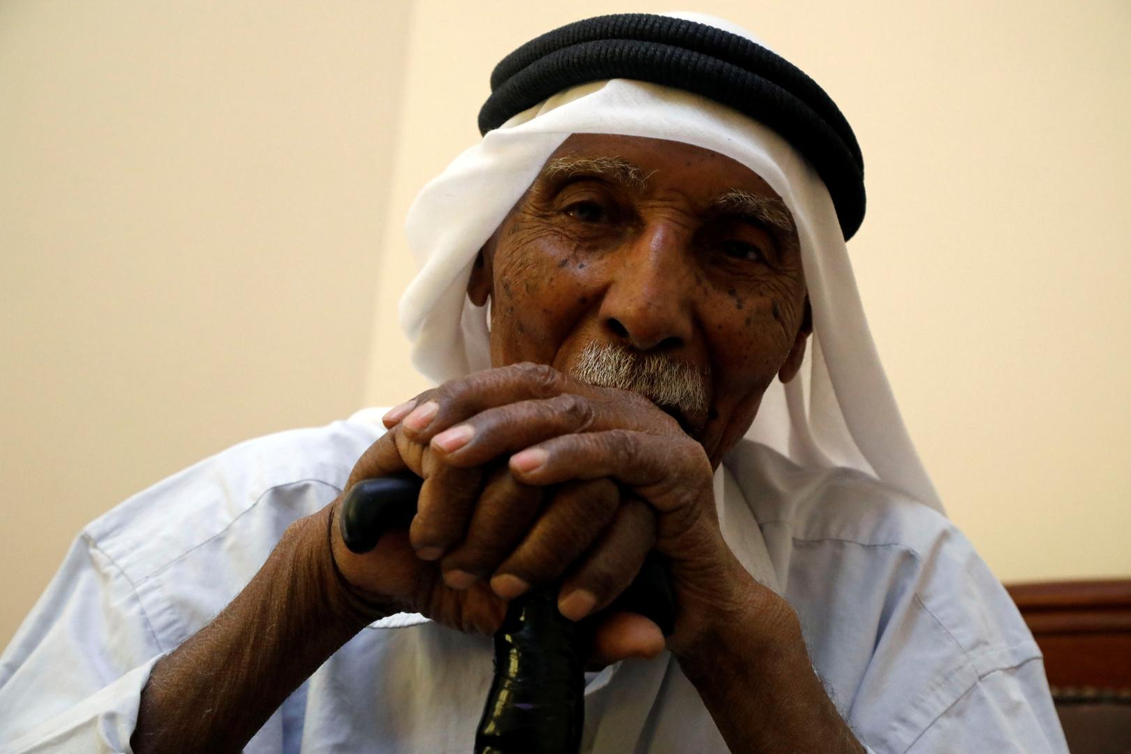 اللاجئ الفلسطيني ماري مسعود 90 سنة تم تهجيره من منزله