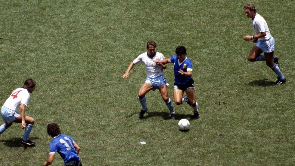 كيني سانسوم يحمل الرقم (3) ضد الأسطورة مارادونا في مونديال المكسيك 1986