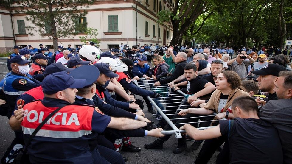 ألبانيا.. احتجاجات غاضبة وهتافات
