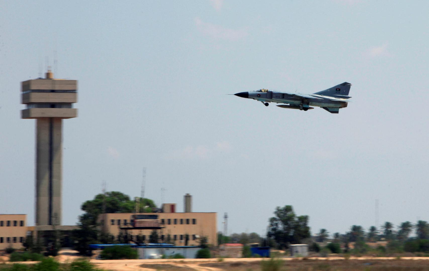ليبيا.. قوات حكومة الوفاق تسيطر على قاعدة الوطية الجوية