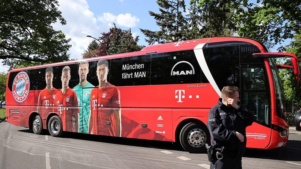 تصرف مجنون من مشجعين أثناء مباراة بايرن ميونيخ