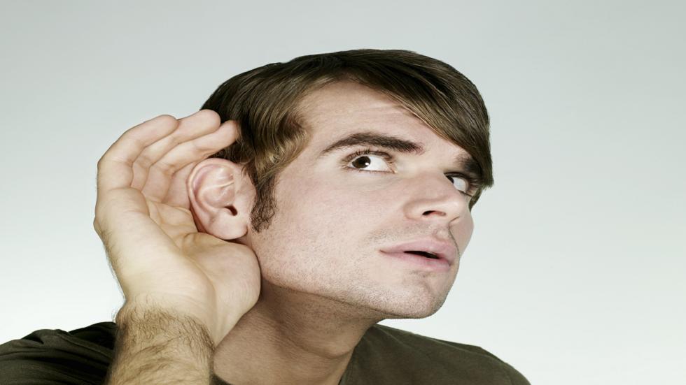 أصوات قد يعني سماعها خطر الإصابة بالخرف
