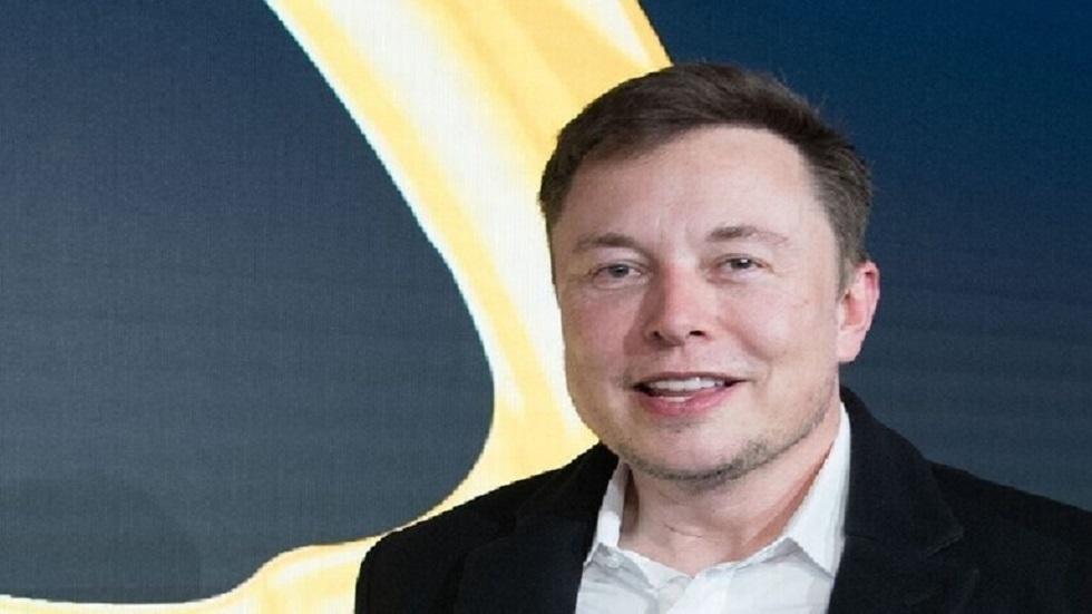 إيلون موسك يقترح إطلاق 10 آلاف صاروخ إلى المريخ