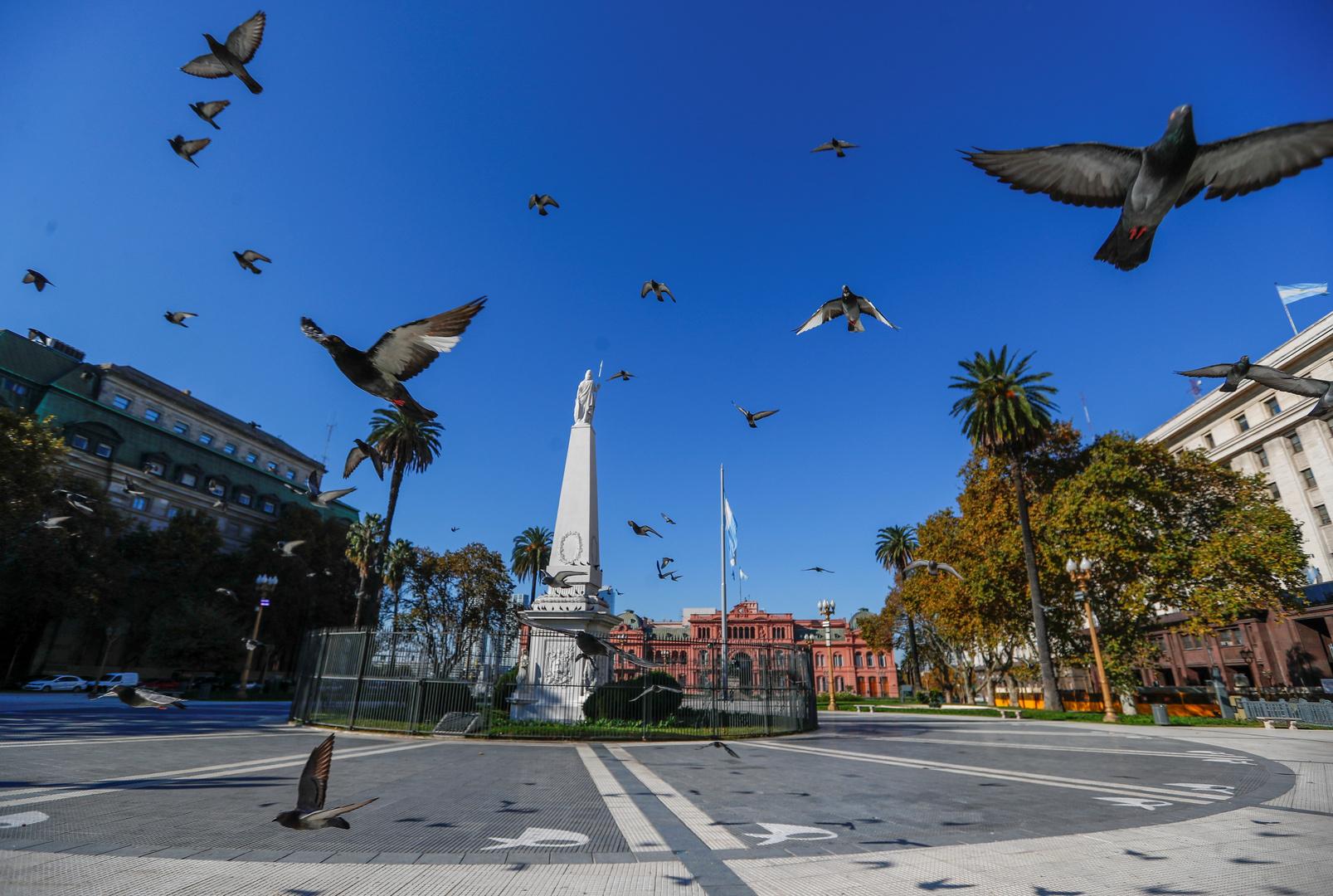 رئيس الأرجنتين: تدابير كورونا باقية حتى تطوير لقاح ضده