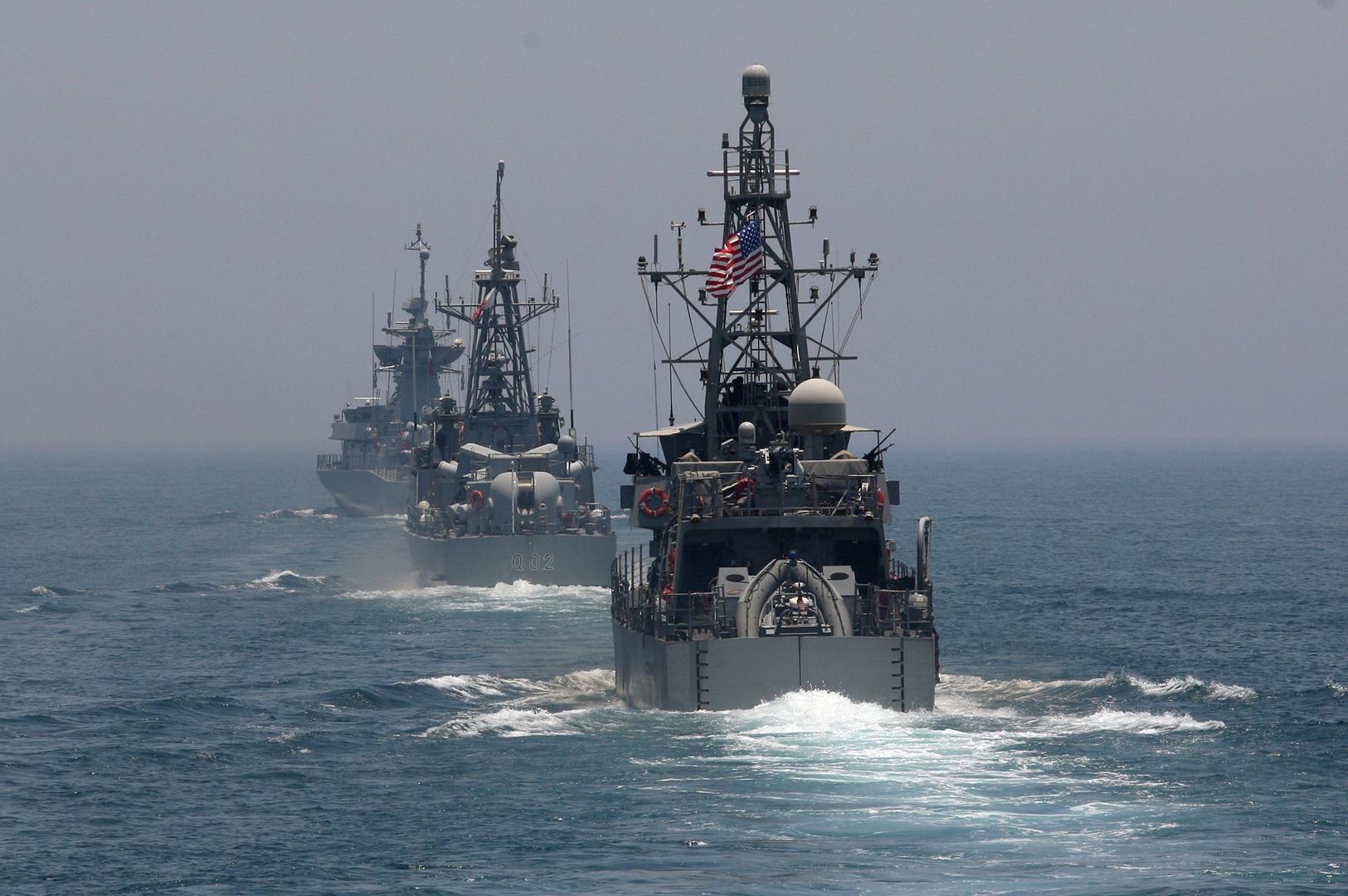 سفن حربية أمريكية في مياه الخليج (أرشيف).