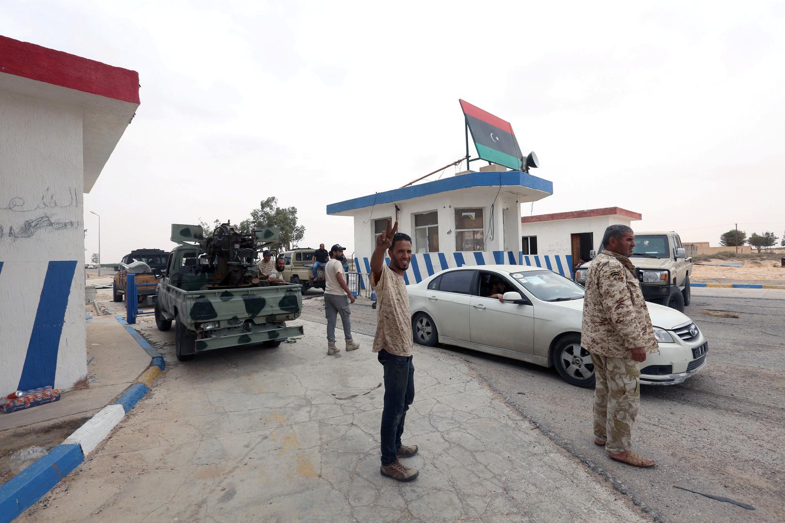 المشير صامت: كيف ستؤدي هزيمة حفتر في قاعدة الوطية الجوية إلى تغيير ميزان القوى في ليبيا