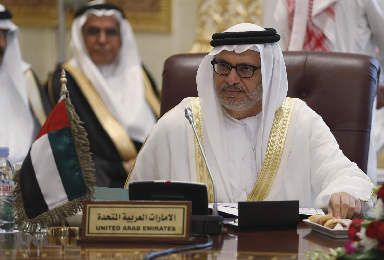 قرقاش يأسف لاتهام وزير الخارجية اليمني الإمارات بزعزعة الأمن