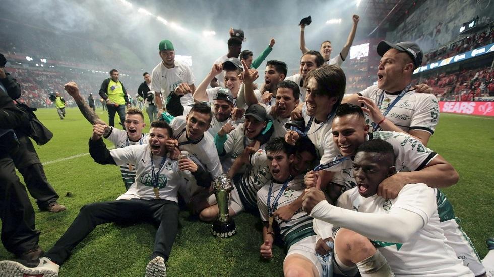 إصابة 8 لاعبين بفيروس كورونا في نادي سانتوس المكسيكي