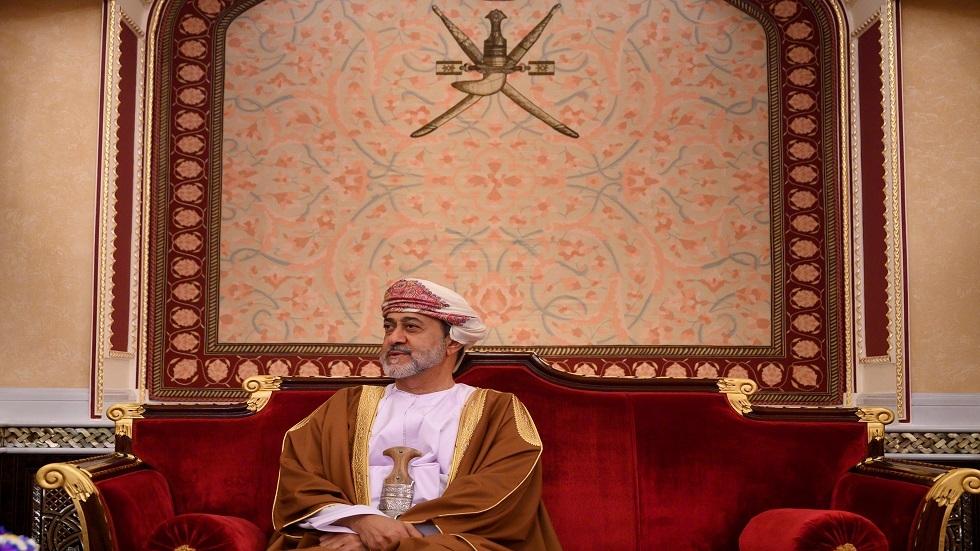 بمناسبة عيد الفطر.. سلطان عمان يعفو عن مئات السجناء بينهم أجانب