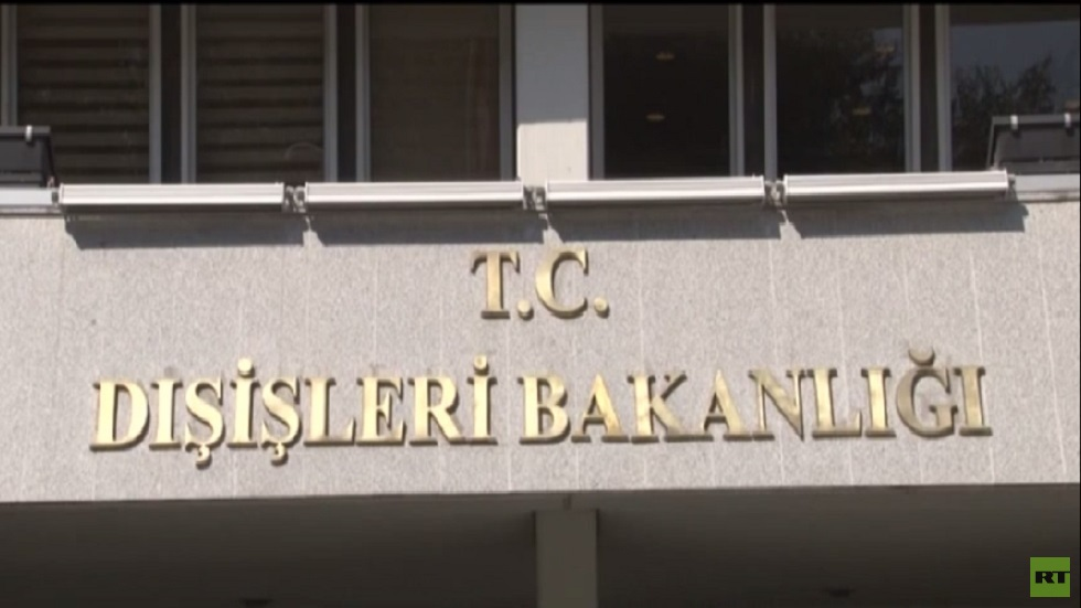 أنقرة: قوات حفتر هدف مشروع إن هاجمت مصالحنا