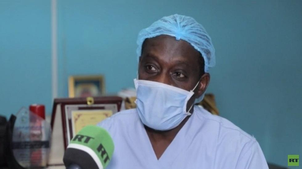 أطباء السودان يهددون بإضراب شامل عن العمل