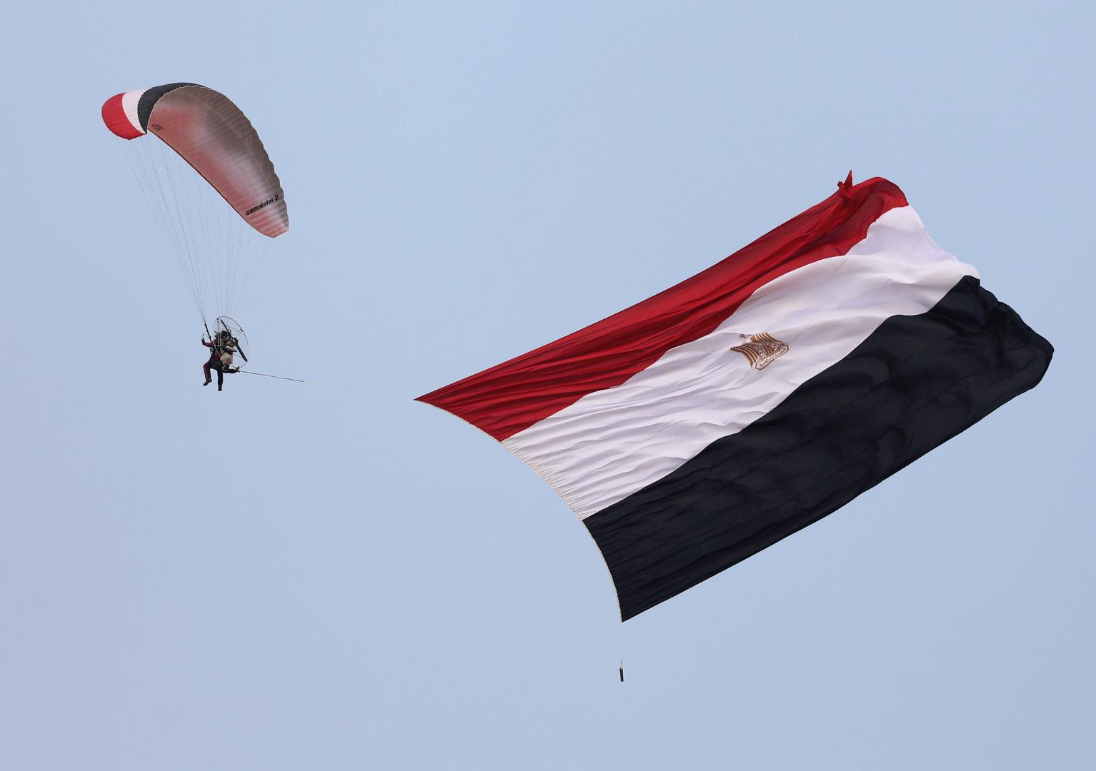 مصر ترسل أطنانا من المساعدات إلى فلسطين (صور)