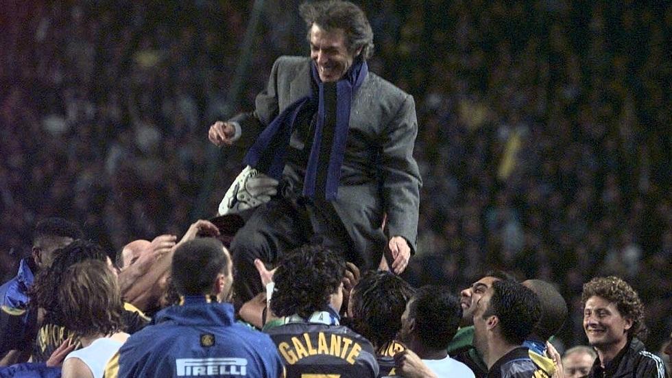 وفاة مدرب إنتر ميلان الإيطالي السابق