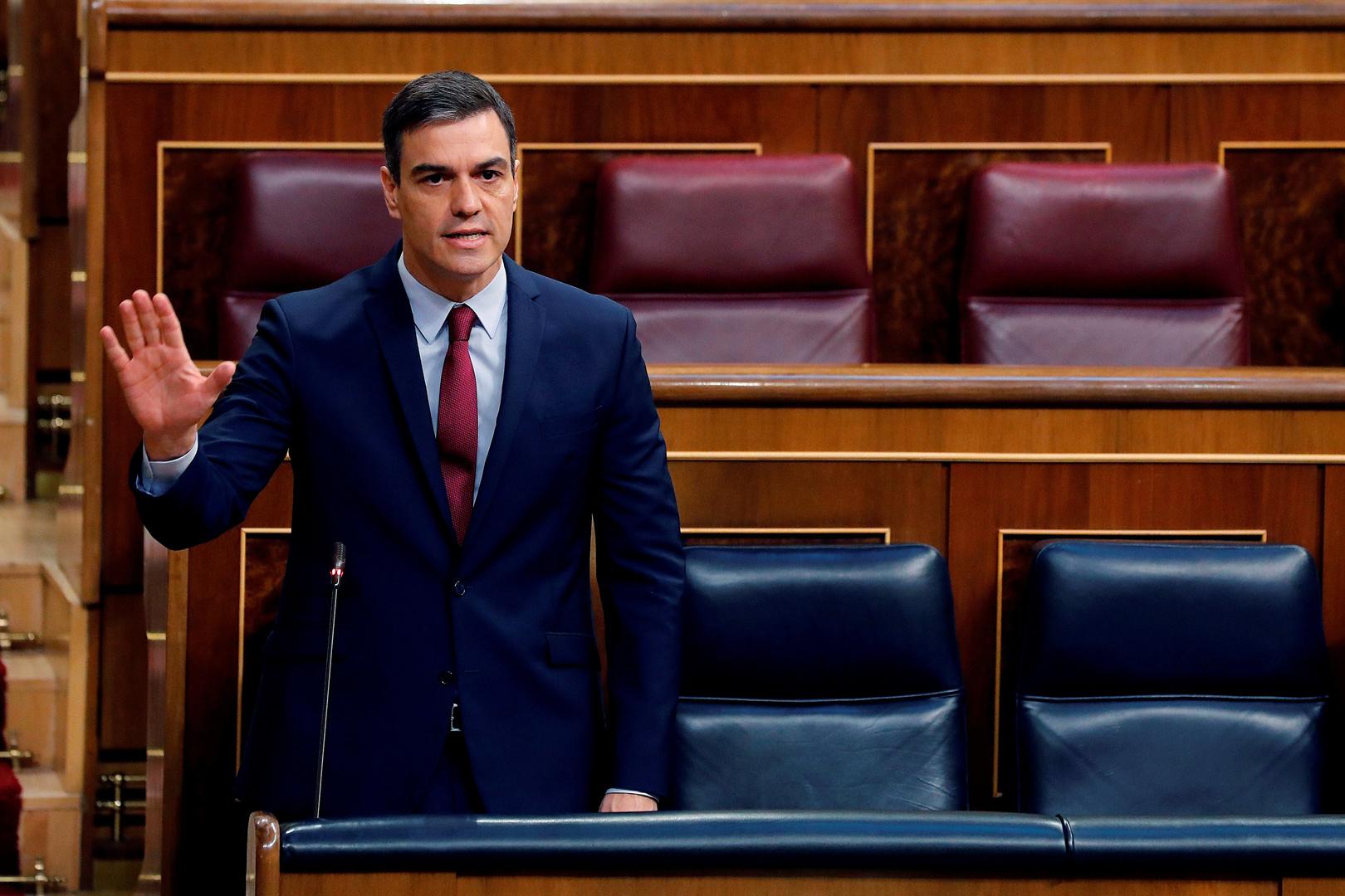 رئيس وزراء إسبانيا: سنعيد فتح السياحة الدولية في يوليو والدوري الكروي قد يستأنف في يونيو