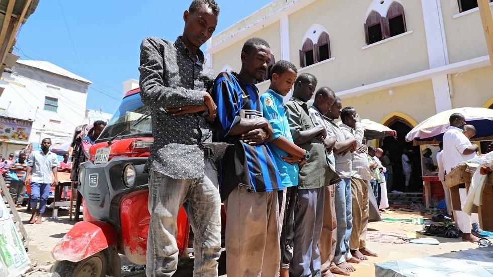 عقب تعذر الرؤية.. الصومال يعلن السبت أول أيام عيد الفطر