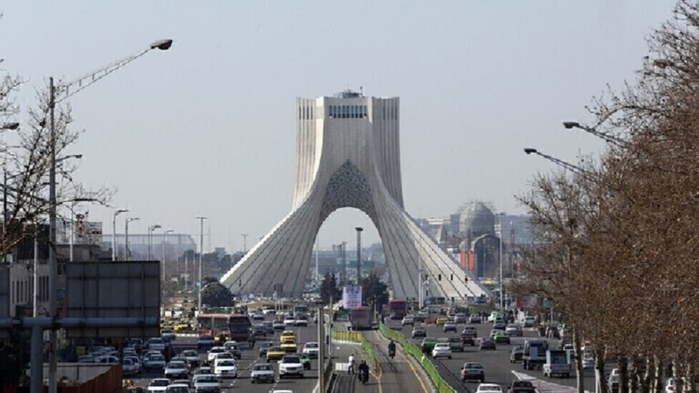 ميدان آزادي وسط طهران - أرشيف