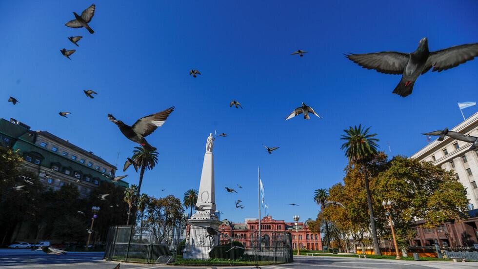 الأرجنتين تعلن تمديد الحظر العام بسبب كورونا حتى نهاية يونيو