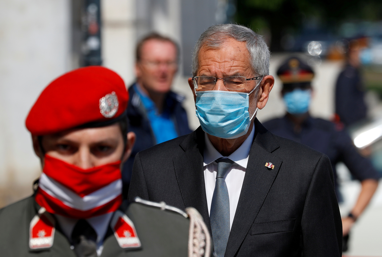 رئيس النمسا يعتذر عن مخالفته قيود كورونا ويتعهد بدفع الغرامة