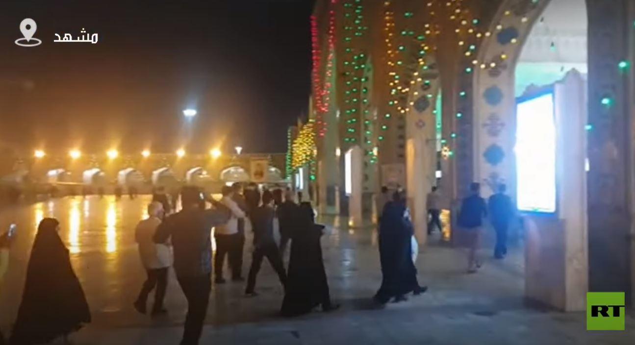 إيران تعيد فتح المزارات الدينية والأضرحة
