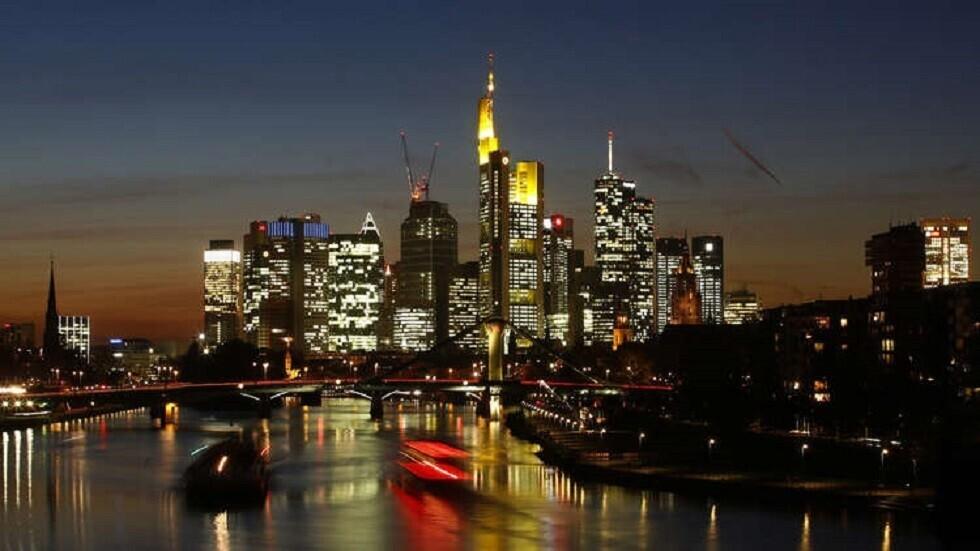 ألمانيا تعتزم تمديد التباعد الاجتماعي حتى 5 يوليو خوفا من عودة انتشار كورونا