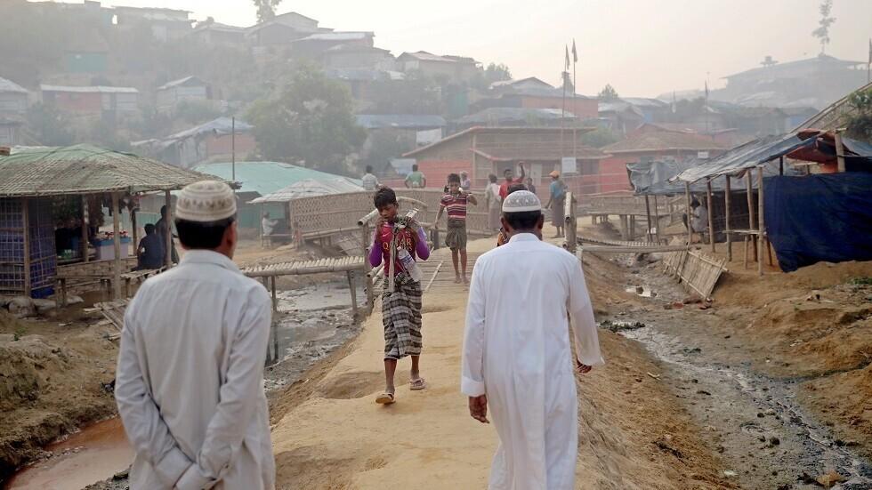 بنغلاديش تحجر على نحو 15 ألف لاجئ من الروهينغا بعد تسجيل 25 إصابة جديدة بكورونا