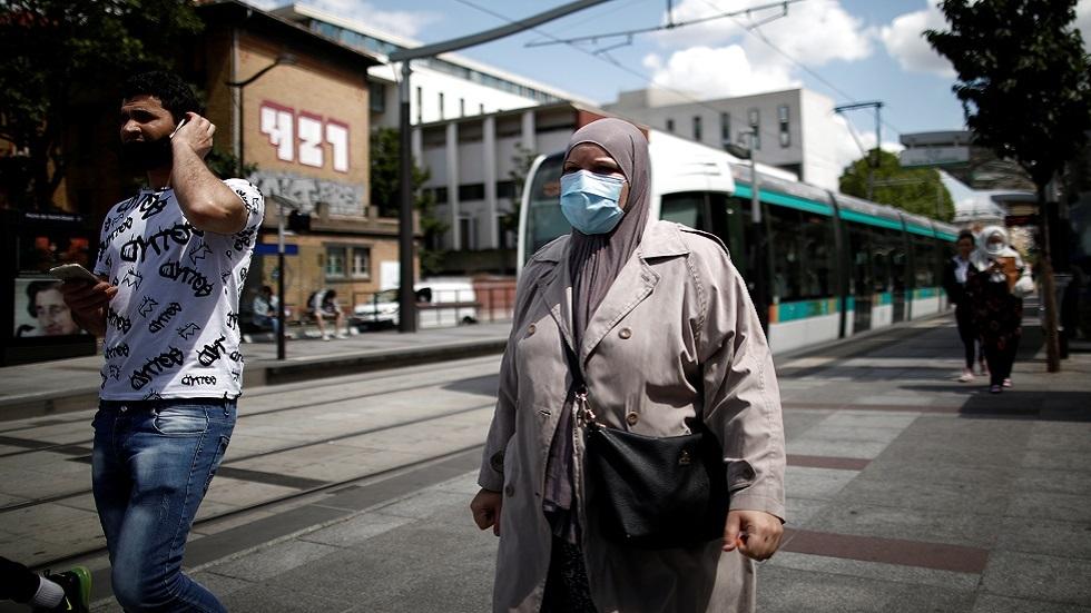 كورونا في العالم.. معدل الإصابات اليومية ينخفض والحصيلة تلامس 5,5 مليون